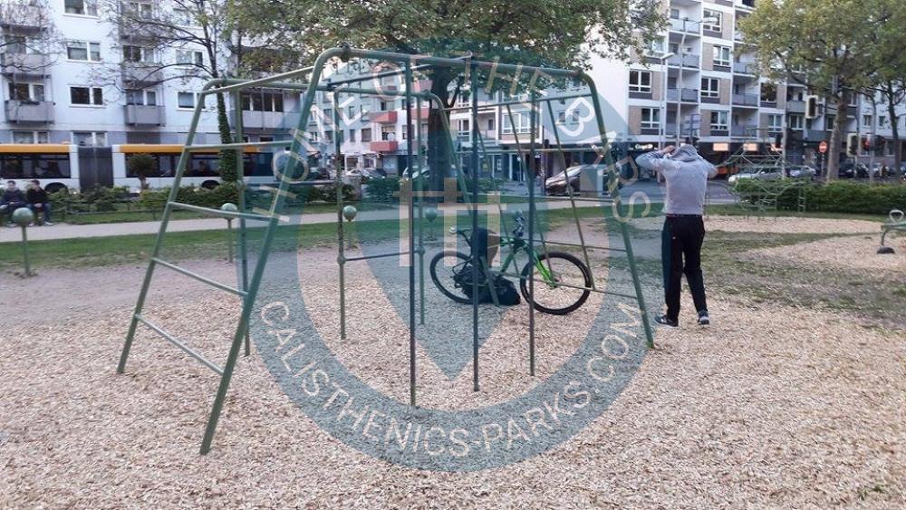 Klettergerüst Calisthenics : Street workout wien calisthenics im türkenschanzpark