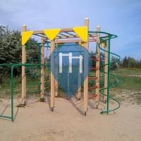 Riga - Calisthenics Gym at Playground - Kleisti