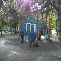 Brigittenau (Vienna) - Calisthenics Exercise Stations - Allerheiligenpark