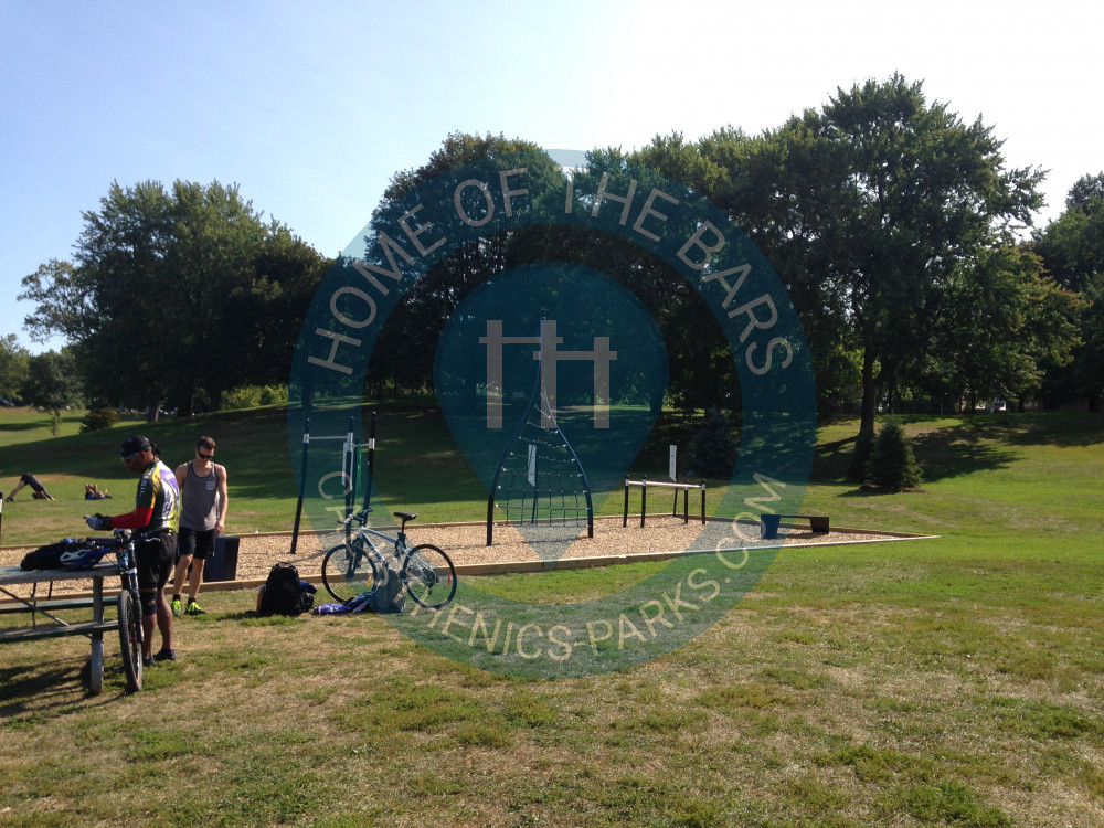 Toronto Outdoor Fitness Station Riverdale Park East