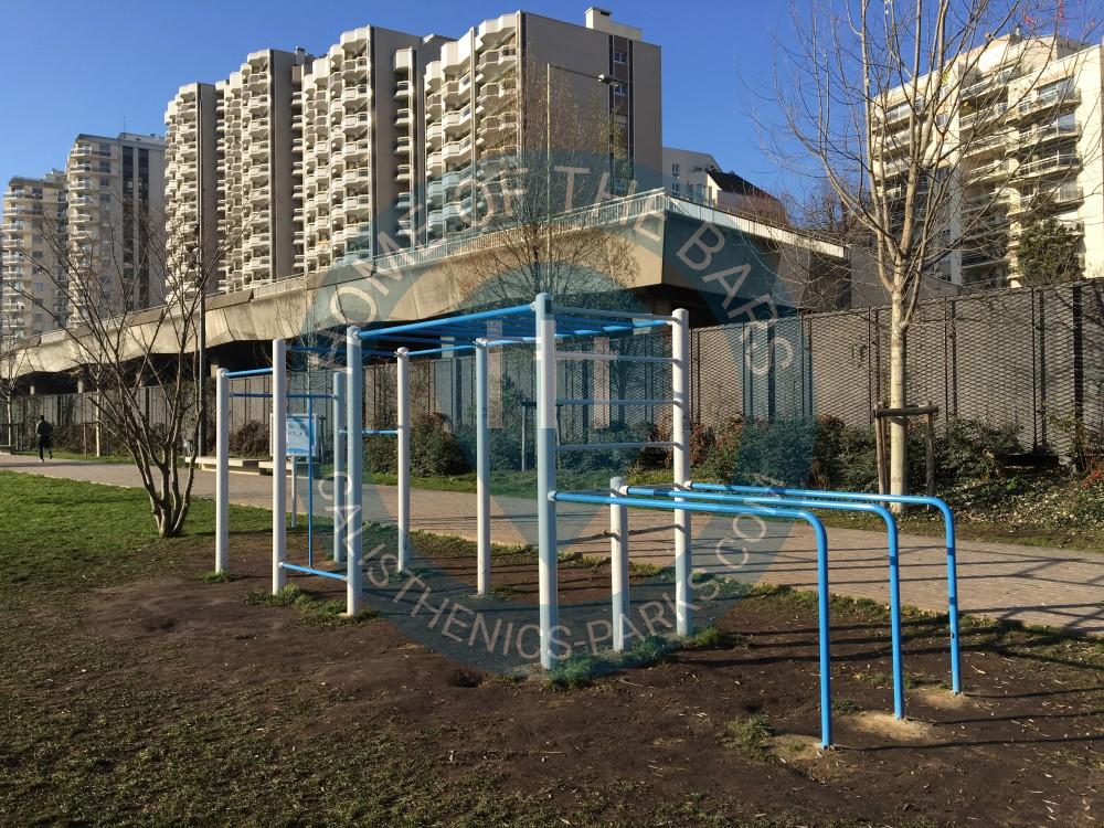 Courbevoie parc street workout france spot for Piscine courbevoie