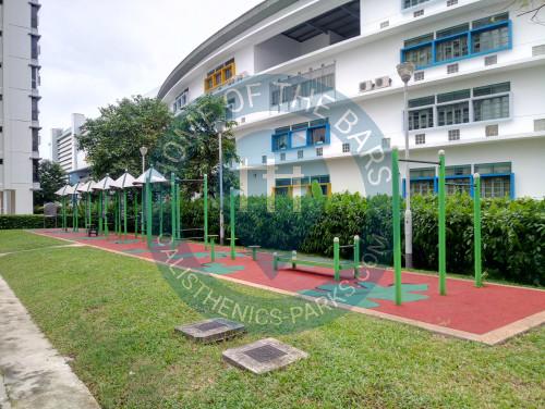 leute in der n he von singapur outdoor fitnessstationen. Black Bedroom Furniture Sets. Home Design Ideas