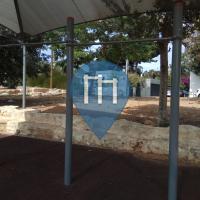 Tel Aviv - Barra per trazioni all'aperto - Dvora HaNevi'a/Mishmar HaYarden