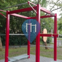 Riesa - Outdoor workout station with pull up bar
