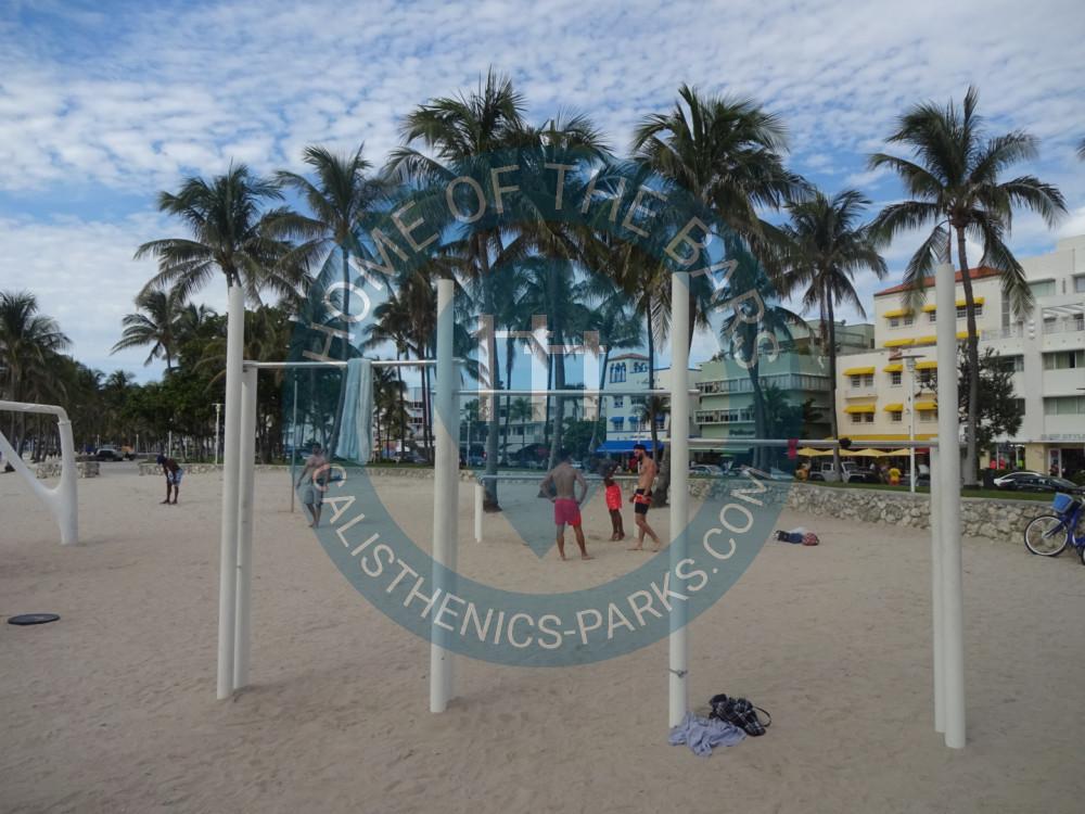 Miami Beach Outdoor Fitness Corner