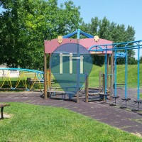 Modena - Spielplatz mit Klimmzugstangen - Parco Giovanni Amendola Sud
