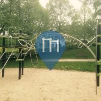 Wernborn - Stangen  am Spielplatz - Hochtaunus