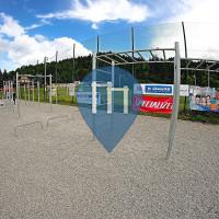 Dolný Kubín - Воркаут площадка - Futbalové ihrisko s umelou trávo