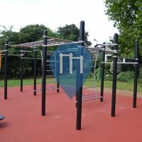 Londra - Parco Calisthenics - Kilburn Grange Park
