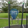 london_outdoor_gym_pull_up_bar.JPG