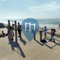 Tijuana - Calisthenics-Stationen - Bars at the border