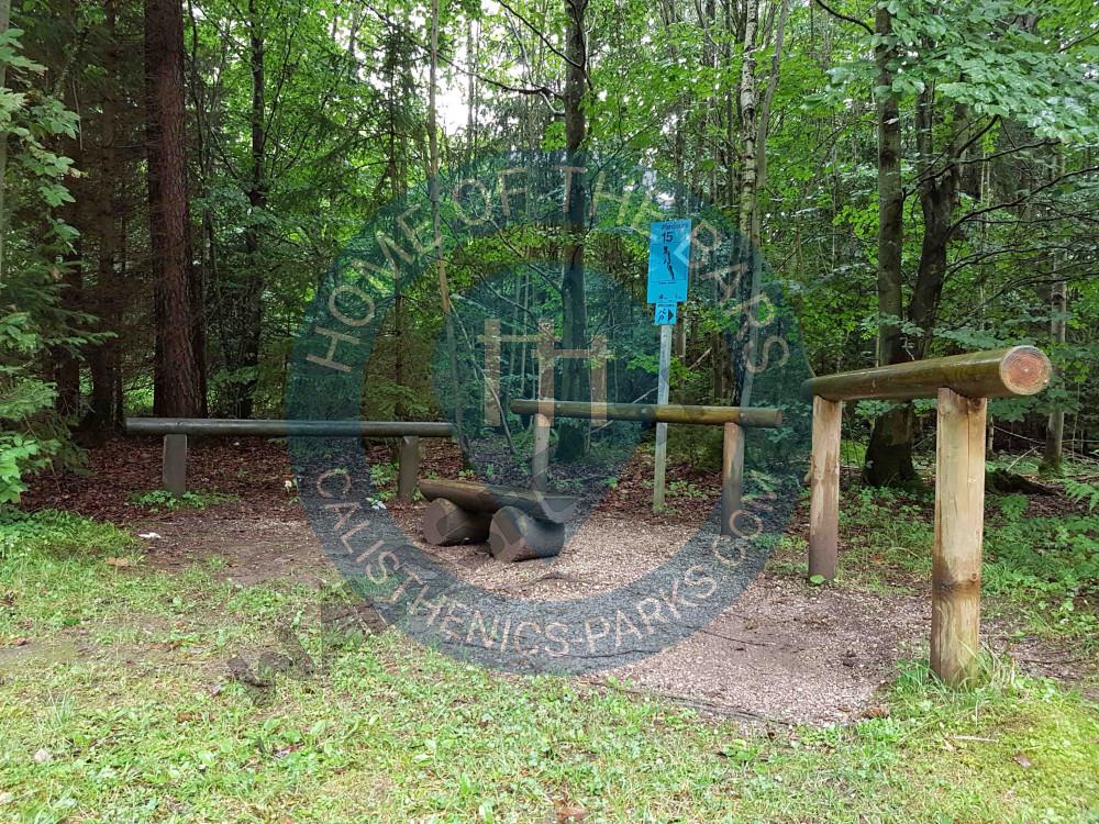 München Trimm Dich Pfad Grünwalder Forst Deutschland Spot