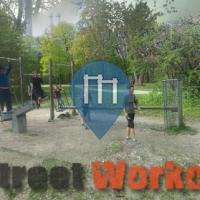 München - Outdoor Fitnesspark in den Isarauen