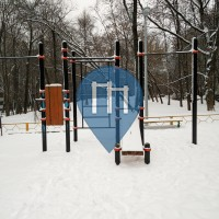 Moskau - Outdoor Fitnessstudio - Prazhskaya