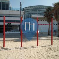 Tel Aviv - Barra per trazioni all'aperto - Crowne Plaza