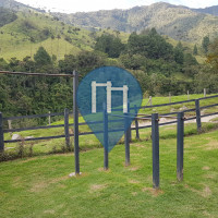 Salento - Calisthenics-Stationen - Valle de cocora