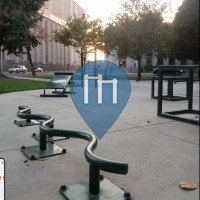 Barre de traction en plein air - Stockton - Fremont Square Park
