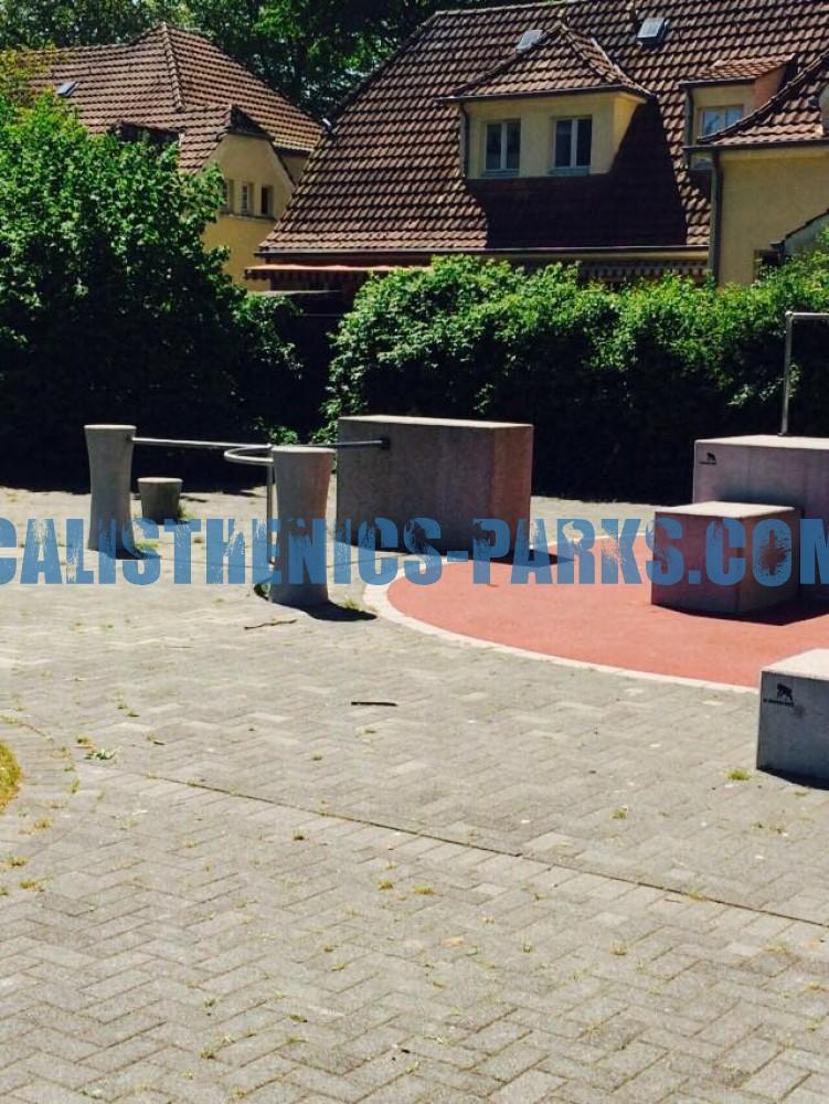 dorsten parkour park bahntrasse germany spot. Black Bedroom Furniture Sets. Home Design Ideas