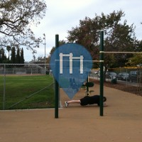 Los Angeles (Hollywood) - Outdoor Pull Up Bars - Poinsettia Recreation Center